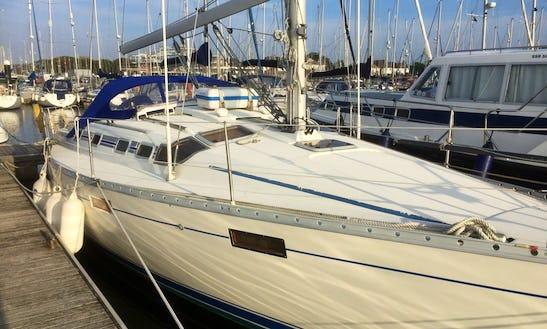 Motor Yacht Rental In Fowey