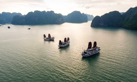 Houseboat Rental Halong Bay