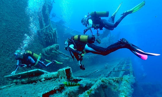 Enjoy Diving Courses In Hikkaduwa, Southern Province