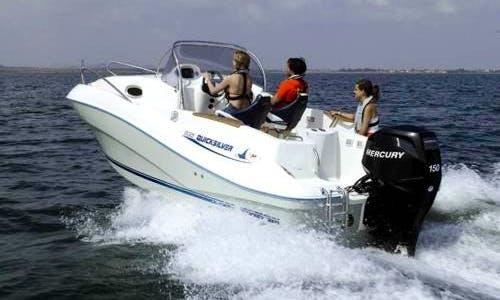 """Rent the """"San Lazaro"""" Quicksilver Commander 635 Boat in Vigo, Spain"""