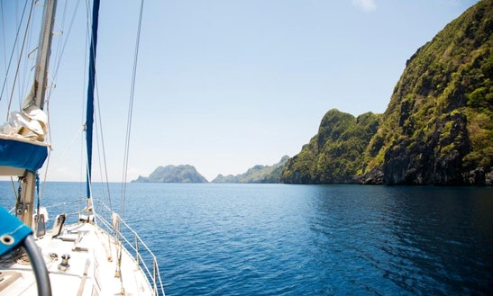 Cruising Monohull With Skipper In El Nido