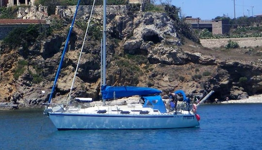 Charter 64' Catalina Sailboat With 3 Cabins In Saint Julian's, Malta