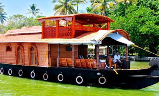 Amazing Vacation Aboard A Fully Airconditioned Houseboat In Kumarakom, Kerala