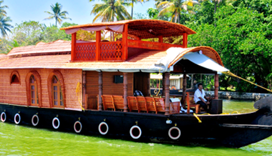 Amazing Vacation Aboard A Fully Airconditioned Houseboat In Kumarakom, Kerala