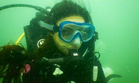 Enjoy Diving Courses In Calalngute, Goa
