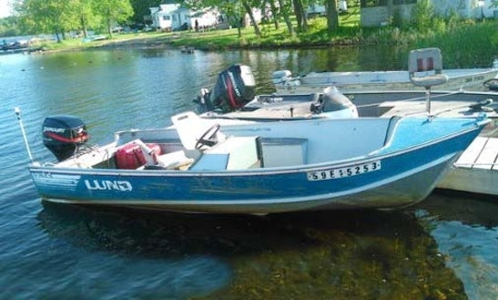 Enjoy The 16ft Lund Boat In Ennismore, Ontario