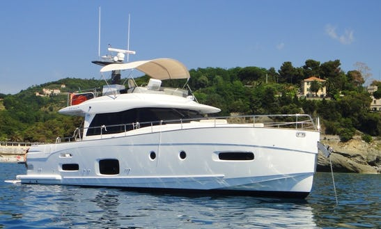 Motor Yacht Rental In Cascais