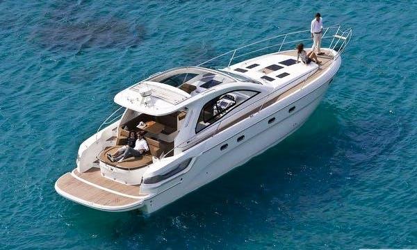 14' Motor Yacht Rental in Portisco, Sardegna