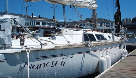 35' Hunter-legend Cruising Monohull Rental In Oakland, California Available For Sailing Lessons