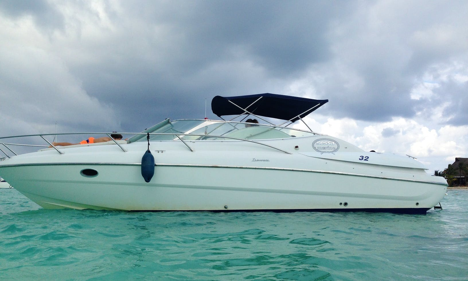 Enjoy the Best Economic Yacht in Cancún with Excellent Captain