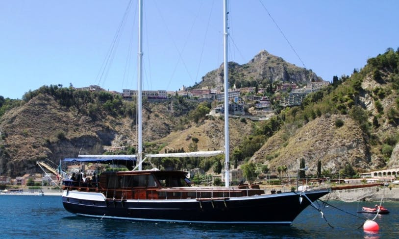 Charter Caicco Gulet in Taormina, Italy