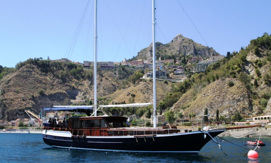 Charter Caicco Gulet In Taormina, Italy