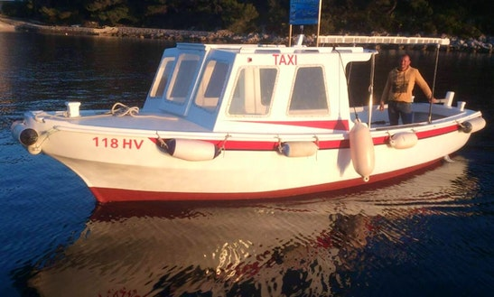 25' Boat Rental In Hvar, Skipper And Fuel Included