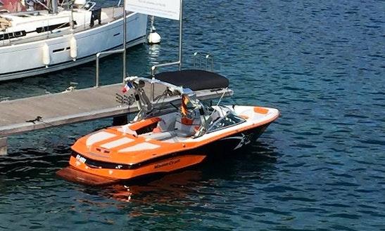 Charter 30' Bowrider In Saint-jean-cap-ferrat, Provence-alpes-côte D'azur