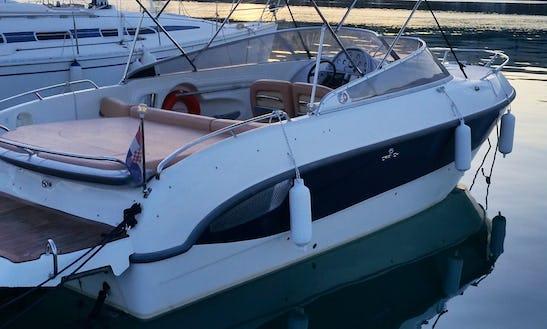 Rent 28' Cranchi Bowrider In Split, Croatia