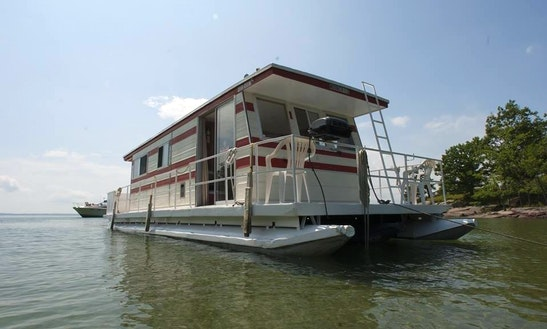 Rent The 38ft Houseboat For 6 Adults In Gananoque, Ontario