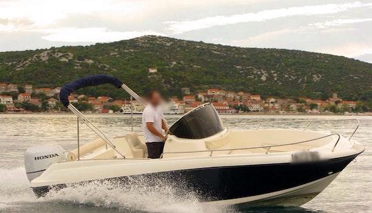Rent 22ft Insidias Marine Hm Cuddy Cabin In Split, Croatia