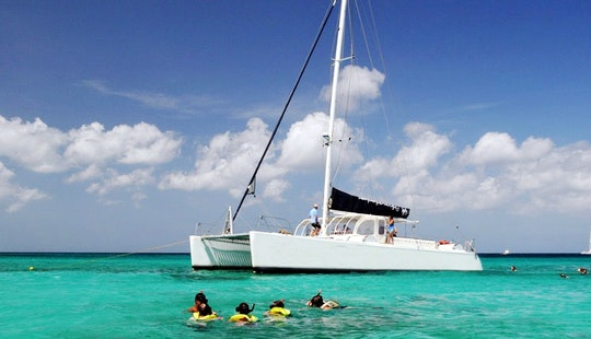 62' Cruising Catamaran Charter In Noord, Aruba