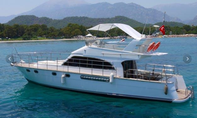 Charter 46' Motor Yacht in Göynük Belediyesi, Antalya