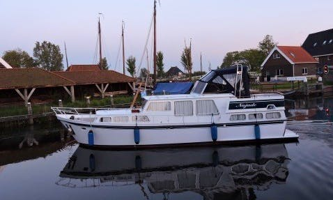 Charter 39' My Najade Motor Yacht in Workum, Friesland