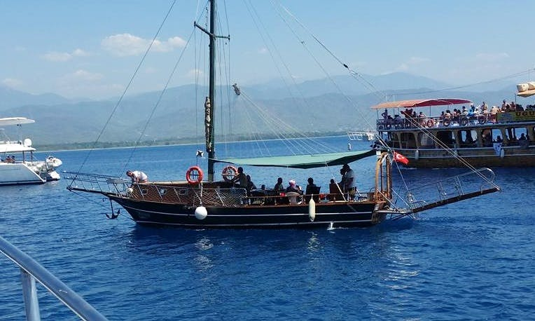 Have an amazing time in Muğla, Turkey on a 10 person Sloop