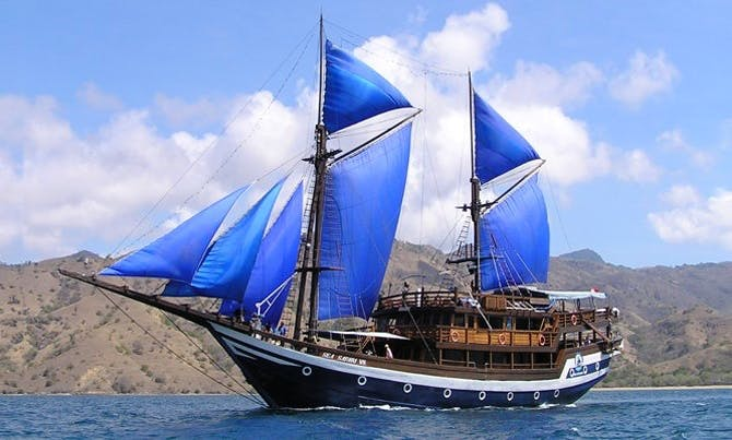 "Diving Liveaboard Cruises on ""Sea Safari VII"" Schooner in Indonesia"