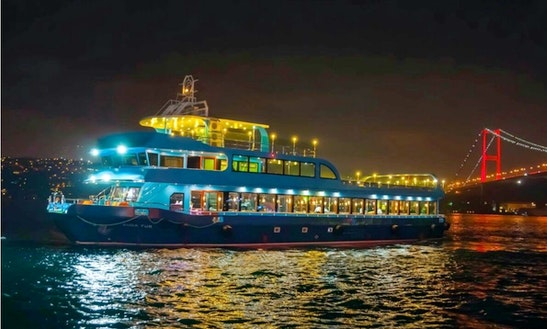 Enjoy A Party Boat Experience In İstanbul, Turkey