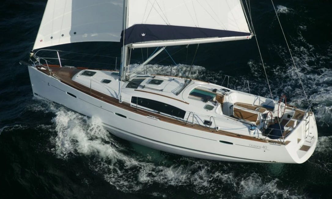 Charter the 40ft Beneteau Oceanis Sailing Yacht in Il-Birgu, Malta