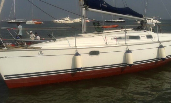 Charter 30' Jeanneau Cruising Monohull In Mumbai, Maharashtra