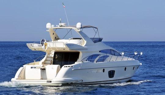 Charter Azimut 62 Bianco Super Yacht In Marina Vallarta, México
