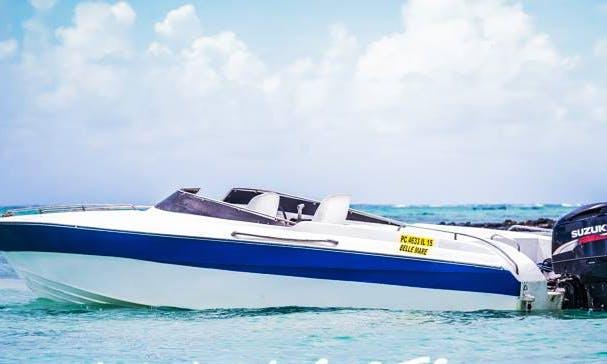 Charter Bowrider in Trou d'Eau Douce, Flacq for 12 Pax