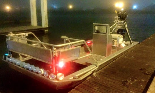 22ft Bass Fishing Boat In Aransas Pass, Texas