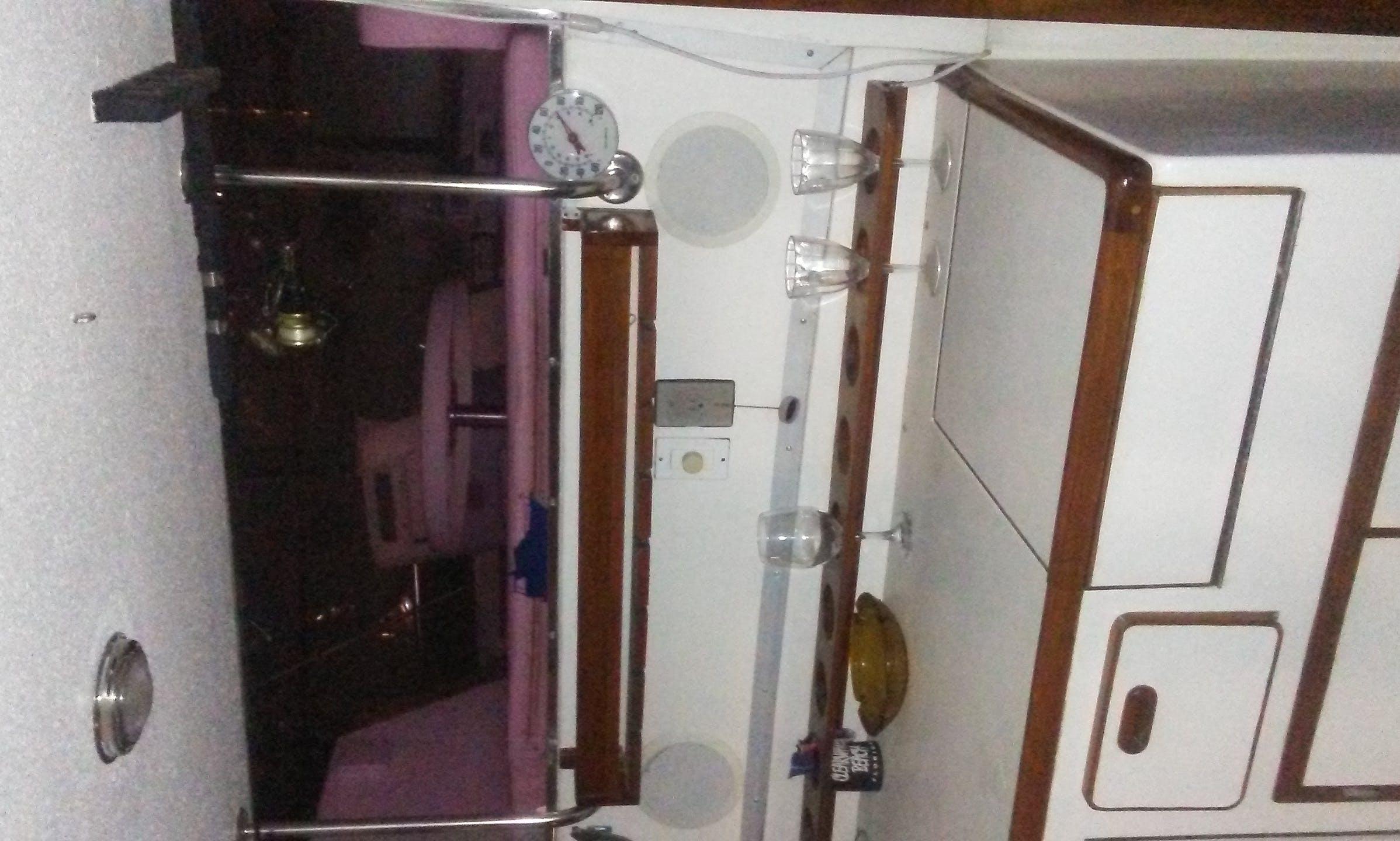 Motor Yacht sleep aboard rental in Clearwater