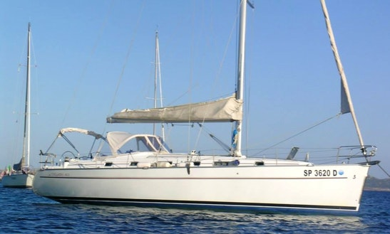 Charter 43' Cyclades Cruising Monohull In Toscana, Italy