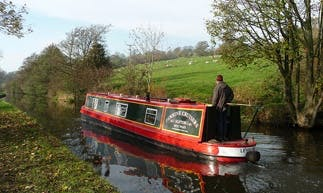Hire 47' Leyburn Canal Boat in Skipton, England
