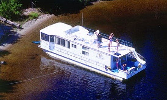 Rent The 50' President Houseboat In International Falls, Minnesota