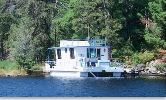 Rent The 36' Wanderer Houseboat In International Falls, Minnesota