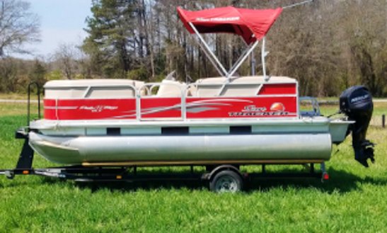 Suntracker Pontoon Rental In Fair Play, South Carolina