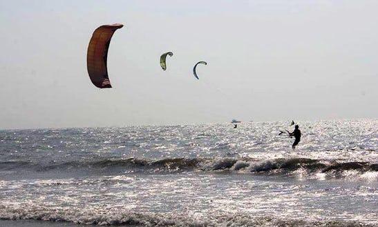 Enjoy Kitesurfing Lessons In Morjim, Goa