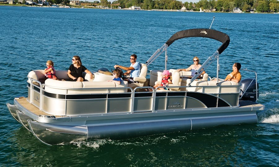 Pontoon for 6 People in Westhampton Beach, New York