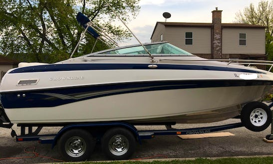 26ft Bowrider For Rent In Hammond, Illinois For 9 Person