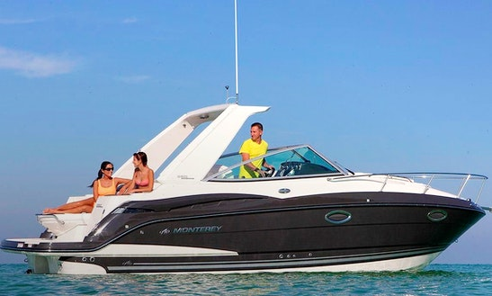 Charter A 27' Monterey 275 Scr Motor Yacht In Quarteira, Portugal