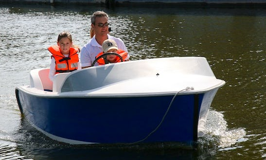 Rent 12' Blue Ribbon Inboard Propulsion In Nantes, Pays De La Loire