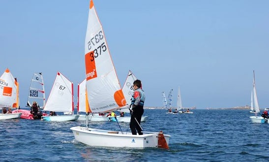 Learn To Sail On A Dinghy In Landéda, France