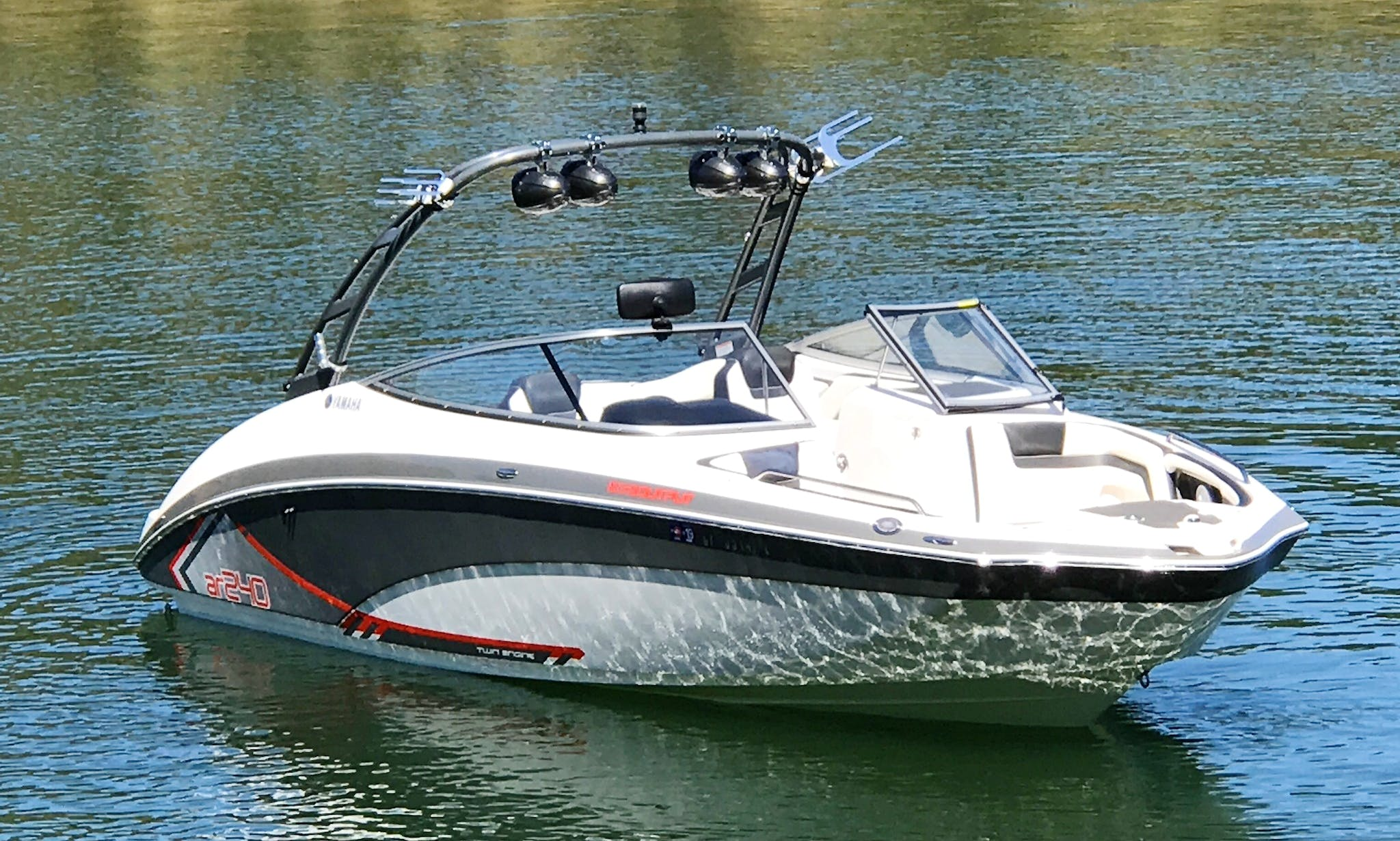 24' Yamaha Ski Boat Rental In Lake Tahoe