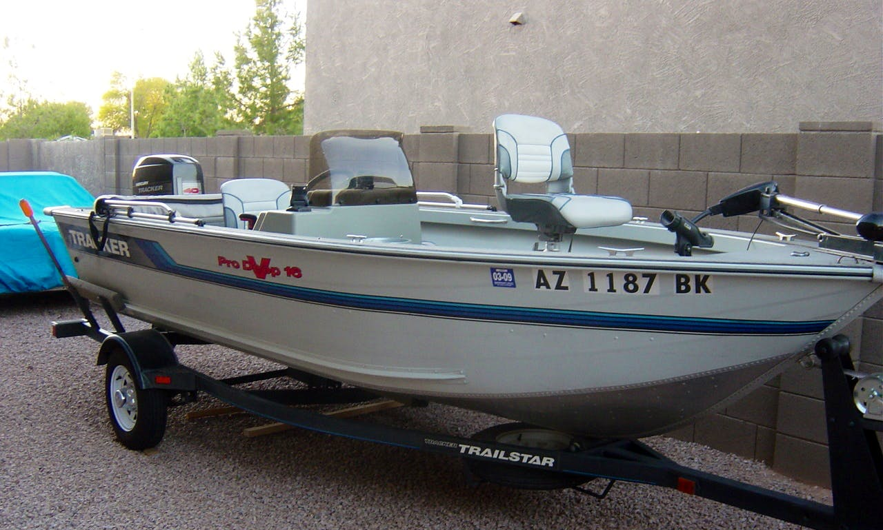 Rent 16' Deep V Bass Boat In Ontario, Canada