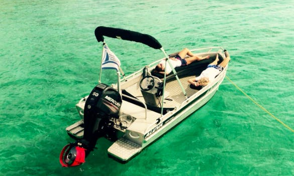 Rent this awesome small deck boat in Kralendijk, Bonaire