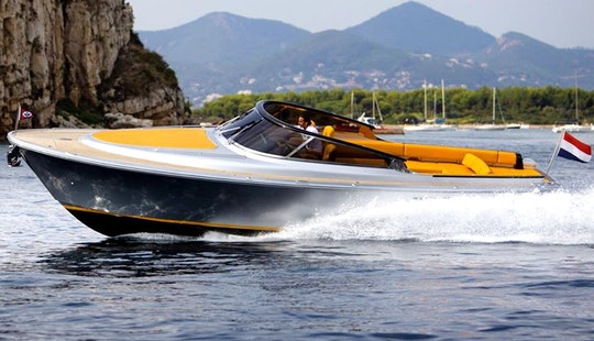 Charter A Cuddy Cabin Gabian, Monaco.