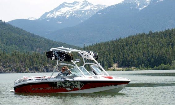Experience North Vancouver on our Inboard Propulsion Boats