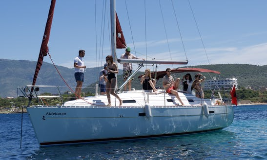 Charter 33' Beneteau Oceanis Cruising Monohull In Tirana, Albania